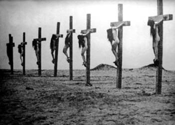 1915,türken-kreuzigen-armenische-frauen-Genozid-mit-1,5millionen-toten-armeniern